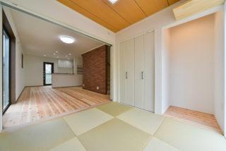 リビングから和室まで繋がった広々空間