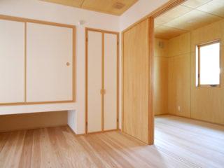 建具にもこだわった寝室